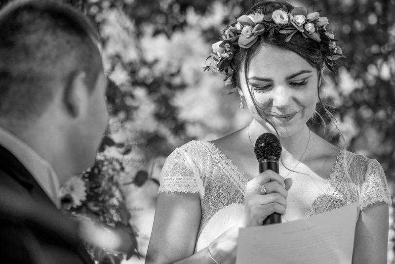 Mariée qui fait un discours