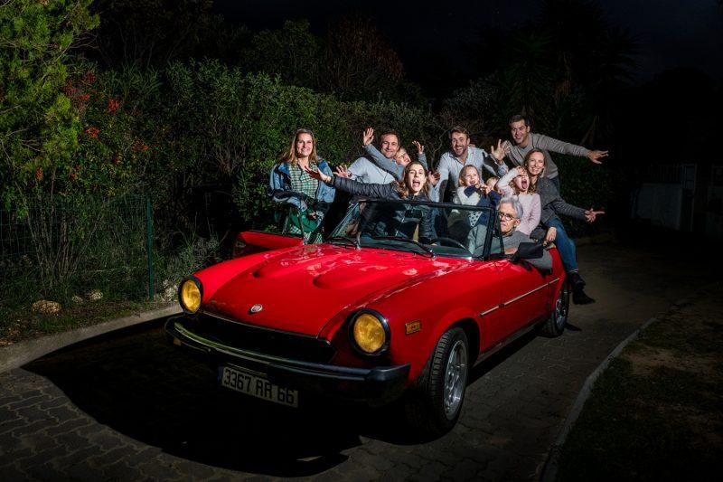 Une famille dans une Fiat