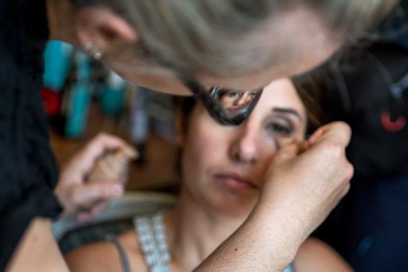 La mariée à travers les lunettes de la maquilleuse