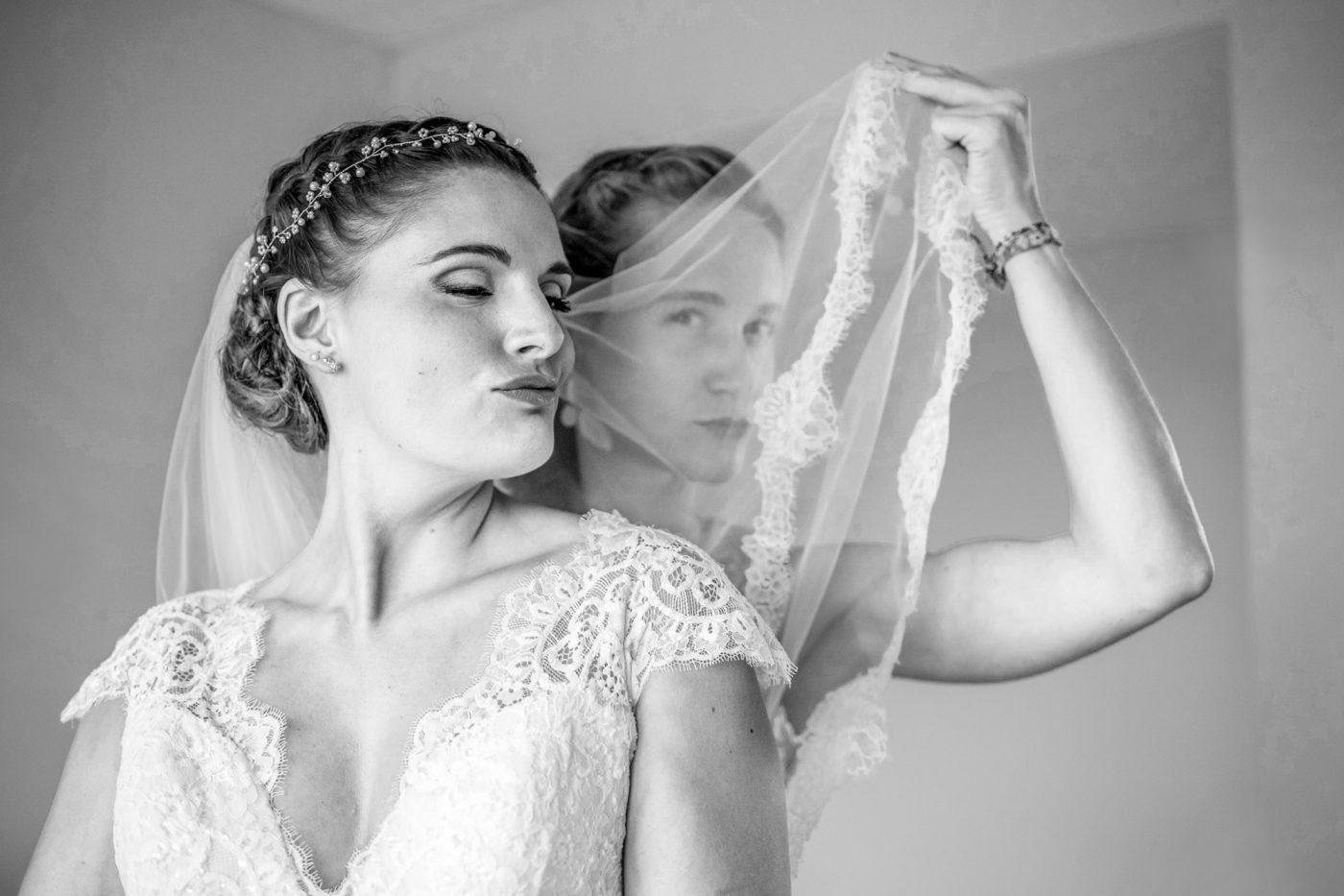 La mariée et sa copine à Rosas